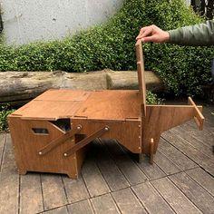ギミック満載な収納ボックス「ECC BOX」がさらに進化!テーブルとして拡張できる新作パーツ登場 | CAMP HACK[キャンプハック] Wood Crafts, Diy Crafts, Knock On Wood, Building Plans, Tool Box, Travel Style, Design Elements, Furniture, Camping Kitchen