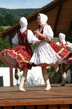 slovak folklor Folk Embroidery, My Heritage, Dancing, Costume, Paint, Apron, Traditional, Outfit, Fashion