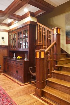 Decorating Your American Bungalow Style House Craftsman Staircase, Craftsman Decor, Craftsman Interior, Craftsman Style Homes, Craftsman Bungalows, Home Interior, Craftsman Style Interiors, Craftsman Style Furniture, Craftsman Ranch