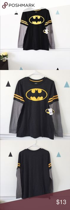 Batman Long Sleeved T-Shirt New with the Tag Batman t-Shirt. Shirts Tees - Long Sleeve