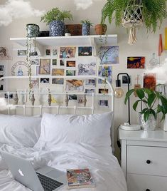 what's ur fave season? Room Ideas Bedroom, Home Decor Bedroom, Bedroom Inspo, Master Bedroom, Pictures For Bedroom Walls, Indie Bedroom Decor, Girls Bedroom, Decor Room, Indie Room