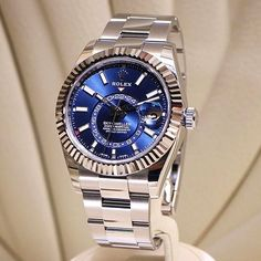 Just in love with the new #rolex skydweller in steel