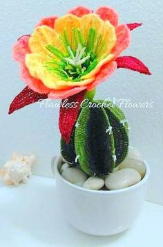 And sooooo cute! So I couldn't help myself and scoured the… Crochet Doll Pattern, Crochet Dolls, Crochet Patterns, Crochet Mitts, Chrochet, Crochet Cactus, Crochet Flowers, Amigurumi For Beginners, Amigurumi Tutorial