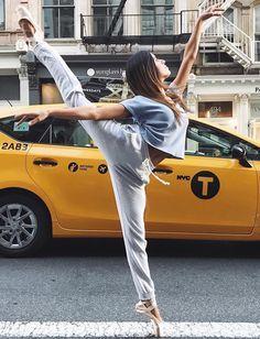 Ma danse est ma Passion si vous ne le saviez pas c'est toute ma vie et je voudrais vous la faire partager pendant certaine images