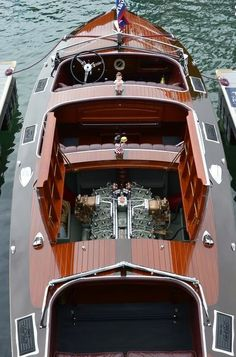 The All Inclusive Luxury Motor Yacht Charter Yacht Design, Boat Design, Design Suites, Wooden Speed Boats, Wood Boats, Riva Boot, Bateau Yacht, Ski Nautique, Chris Craft Boats