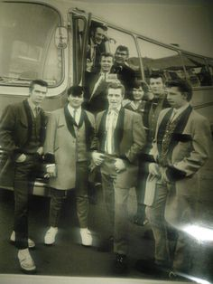 Bus trip Rock And Roll Artists, 50s Rock And Roll, 50s Music, Teddy Boys, Bus Travel, Great British, Rockers, Bad Boys, Rockabilly