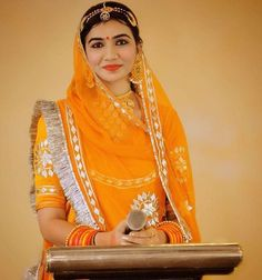 Rajasthani woman at speech Formal Wear, How To Make Money, Sari, Photoshoot, Womens Fashion, Fashion Design, Clothes, Woman, Girls