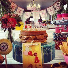 Foto festa jardim, decoração do baile, bolo de doce de leite Garden party, caramel cake