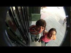 Amstel Extra busca compañero de piso - Telefonillos