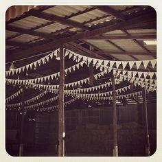 เช่าไฟปิงปอง & ตกแต่งสถานที่งานแต่งงาน งานปาร์ตี้ ทั่วประเทศ 086-996-1208: siamcivilizelightingdeco#cottagestyle #cottagewedd...