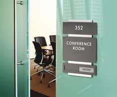 Room ID Interior sign. integrate signage and graphics with the essential elements of your interior. School Signage, Office Signage, Door Signage, Wayfinding Signs, Building Signs, Ada Signs, Clinic Design, Signage Design, Room Signs