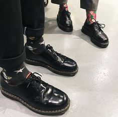 Shop 1461 Oxford Shoes on the official Dr. Martens like the 1461 Smooth, Vegan and Mono 1461 in a variety of leathers, textures and colors. Dr. Martens, Red Doc Martens, Dr Martens Outfit, Doc Martens Boots, Sock Shoes, Cute Shoes, Shoe Boots, Moda Hippie, Martens Style