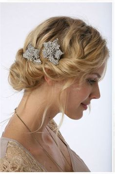 vintage hair pins. Homecoming hairstyle?