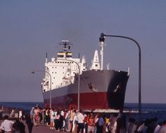 Ship coming in, Duluth, MN