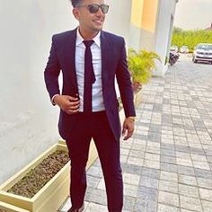 O suit aau Punjabi jatti pyi firdi💜 Nimrat Khaira, Swag Boys, Girls Dp Stylish, Boys Dpz, Famous Singers, Rakhi, Punjabi Suits, Photos, Suit Jacket