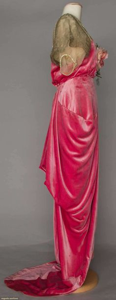 Gown (image 2) | Robert | France; Paris | 1910-1914 | silk velvet, chiffon, lace | Augusta Auctions | April 20, 2016/Lot 222