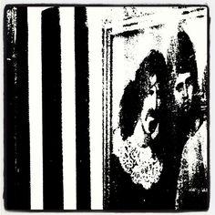 #Zappa #FranKZappa #windowshopping at #bar #Loosester which is little sister of #bar #rockroll #venue #Loose place dedicated to #IggyPop & #IggyandtheStooges  #näyteikkunassa #katutaidetta #Helsinki #Sörkka 04\16