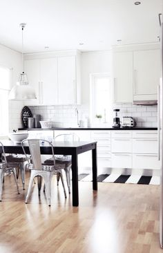 Black and white kitchen#Repin By:Pinterest++ for iPad#