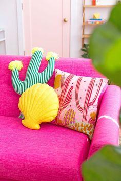 Cute Pillows, Diy Pillows, Decorative Pillows, Throw Pillows, Bed Throws, Room Ideas Bedroom, Bedroom Decor, Home Decor Trends, Diy Home Decor