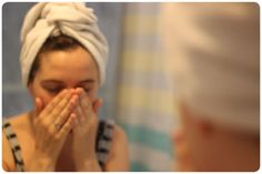 Acá va una guía muy sencilla para logar una piel como siempre la soñamos: una piel ideal. Limpieza diaria:Este es el primer gesto esencial de la belleza.