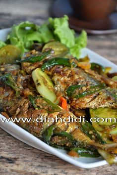 Diah Didi's Kitchen: Recipes ✨ for more like this 🌸 Fish Recipes, Seafood Recipes, Asian Recipes, Healthy Recipes, Healthy Food, Recipies, Ethnic Recipes, Malaysian Cuisine, Malaysian Food