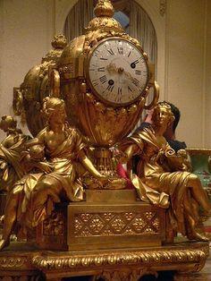 Antika Fransız  bronz şömine saati.