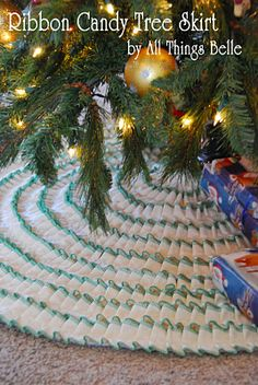 Ribbon Candy Tree Skirt tutorial by All Things Belle at the Moda Bake shop All Things Christmas, Christmas Holidays, Christmas Decorations, Christmas Tree, Christmas Ideas, Cheap Christmas, Christmas Fabric, Christmas Goodies, Winter Holiday