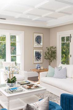 Hamptons Interior Design & Style Ideas | Intrim Moulding Hamptons Style Homes, Hamptons House, The Hamptons, Off White Kitchens, Interior Styling, Interior Design, Timber Mouldings, Interior Walls, Luxury Homes