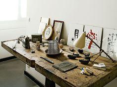 Table atelier industriel / Industrial workshop table : http://www.maison-deco.com/reportages/reportages-maisons/Loft-de-charme