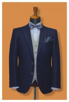 【挙式用タキシード】丈をすっきりと見せたタキシード、コーディネートの仕方によって色んな場所で使えます|結婚式の新郎タキシード|新郎衣装はメンズブライダルへ