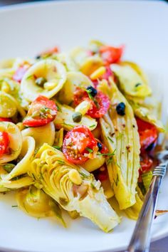 Roasted Fennel and Artichoke Pasta Salad is full of tasty goodies!