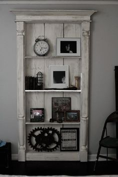 Is this an old door? anyway, it's awesome. Great And Cheap Old Door ideas for Home Decor 1 Furniture Projects, Home Projects, Diy Furniture, Diy Door Projects, Vintage Furniture, Repurposed Furniture, Painted Furniture, Repurposed Doors, My New Room