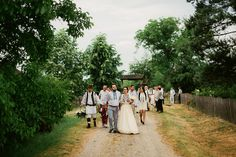 Iulia-Andrei-traditional romanian wedding_land of white deer (32)