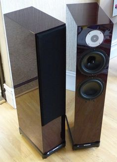 Hidden depths! Read the long term review the Spendor D7 floor standing loudspeakers from the Cardiff branch of Audio-T http://audiot.squarespace.com/cardiff/2015/8/14/the-spendor-d7s-reveal-some-hidden-depths.html