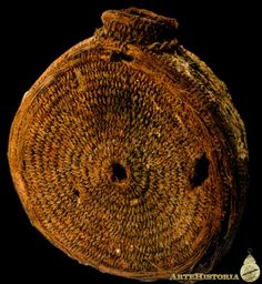 Cantimplora de esparto de la zona minera romana de Mazarrón (Murcia) Museo Arqueologico M.de Cartagena España