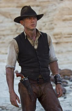 """Daniel Craig in """"Cowboys & Aliens""""  Loved it, hope they make a sequel!"""