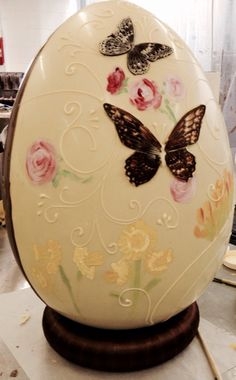 Lovely giant display Easter egg for Drizzle Chocolate Cirencester