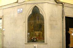 Uno dei tabernacoli di Prato (Toscana)