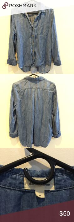 Cloth & Stone Anthro Denim Button Down Shirt Anthropologie Cloth and Stone button down shirt with a denim body and long sleeves. Very cute and has a reverse pocket on the upper chest! Anthropologie Tops Button Down Shirts