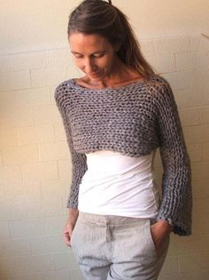 Stoney Isle Chunky bamboo mix shrug/cropped sweater by ileaiye, Like this yarn Cropped Pullover, Cropped Sweater, Grey Sweater, Purple Sweater, Loom Knitting, Knitting Patterns, Knitting Sweaters, Crochet Patterns, Crochet Clothes