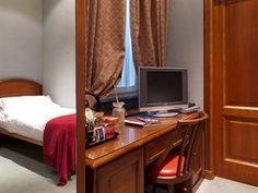 Rome Hotels, Best Hotels, Central Station, Cheap Hotels, Hotel Deals, Front Desk, Good Night Sleep, Rome Italy, Luxury