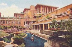 Imperial Hotel. 1916. Tokyo, Japan. Frank Lloyd Wright. Period photo. Imperial Hotel, Frank Lloyd Wright Buildings, Usonian, Famous Architects, Art And Architecture, Japanese Architecture, Desert Houses, Taisho Period, Tokyo Japan