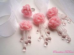 Rosas  Комплект из бисерных роз  Love these for earrings and pendant on organza ribbon.
