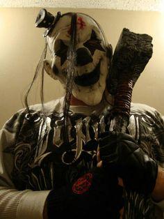 the randomness. of clowns Halloween Clown, Joker Clown, Clown Mask, Freaky Clowns, Evil Clowns, Evil Clown Makeup, Evil Clown Tattoos, Scary Circus, Evil Jester