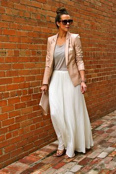 What Courtney Wore: The New Neutrals #blush #white #maxiskirt #pleats #heathergrey #gray #summer