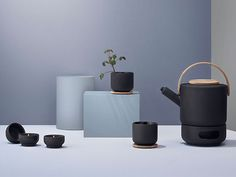 It's on my wish list for next birthday, hope to get it ... ;-) New tea collection, Theo by STELTON