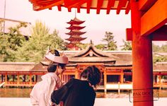 Preparing the bride - Itsukushima
