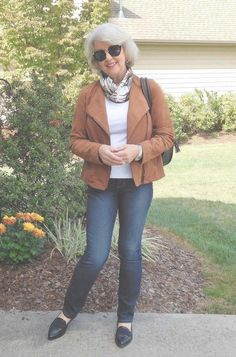 Amazing Basic Wardrobe For 60 Year Old Woman - Wild Wood Home Ideas #fashionforwomenover60outfitsstyle