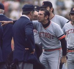 """Manager Billy Martin: """"You can plainly see that these hot dogs are not as good as the ones in Detroit""""! Detroit Sports, Detroit Tigers Baseball, Detroit Lions, Baseball Quotes, Baseball Pictures, Baseball Cards, Royal Oak Michigan, Detriot Tigers, Detroit Vs Everybody"""