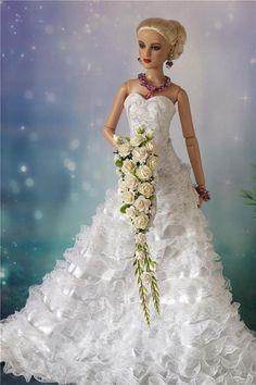 Tonner Tyler, Ellowyne BJD Doll wedding bouquet OOAK New White #EnterYourOwnOOAKByErika #DollswithClothingAccessories